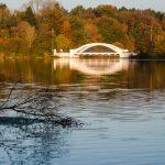 Weisse Schwentine-Brücke am Rosensee